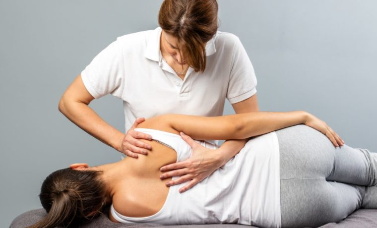 chiropractic-massage-1030x687